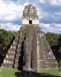 Pyramide à Tikal (Guatemala)